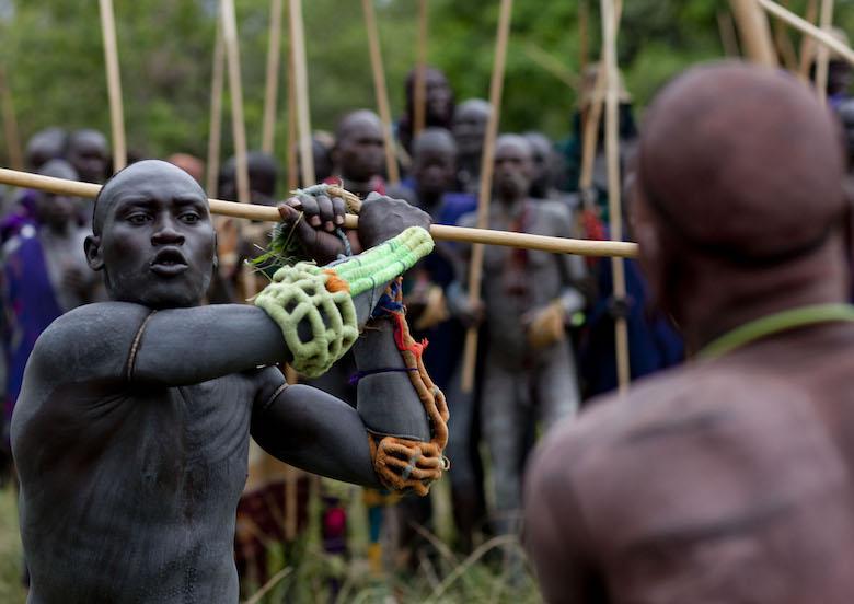 Etiopia: i combattimenti donga nella Bassa Valle dell'Omo